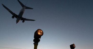 Самолет с игроками клуба КХЛ «Лада» выкатился за пределы взлетной полосы