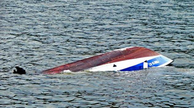В районе Ялты перевернулась лодка с тремя пассажирами - есть погибшие