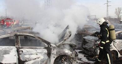 16 автомобилей под Симферополем сгорели из-за сварки и сухой травы – МЧС