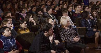 """Более трехсот учащихся приняли участие в """"ярмарке учебных мест КФУ"""" в Первомайском районе"""