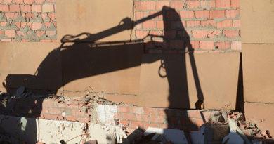 На городской свалке Симферополя снесут все здания и вольеры для собак