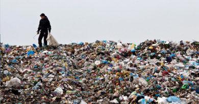 На закрытый полигон ТБО в Симферополе продолжают втихаря свозить мусор