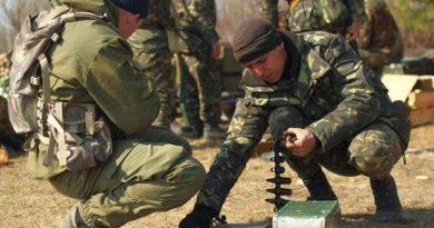 Три соединения ВДВ подняты по тревоге и переброшены в Крым с оружием и техникой