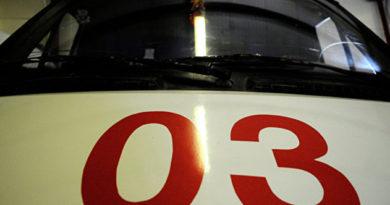 В Симферополе иномарка врезалась в столб: пострадал подросток
