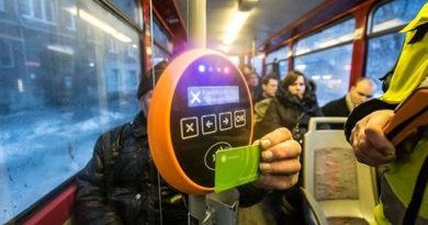 В Симферополе появились транспортные карты: месяц поездок в автобусе обойдется в 780 рублей