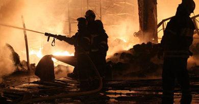 В Ялте пожар уничтожил трехэтажный жилой дом