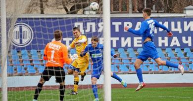 В финале футбольного турнира «Крымская весна» в Симферополе встретятся сборная Крыма и иркутский «Зенит»