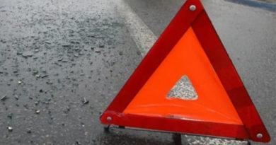 Два человека погибли в столкновении легковушки с автомиксером на трассе Симферополь – Феодосия