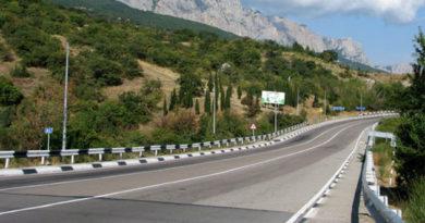 Движение по трассе Севастополь – Симферополь существенно затруднено из-за ремонтных работ