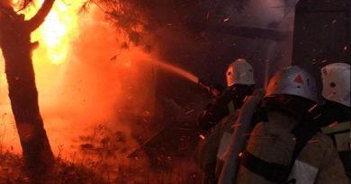 Крымские огнеборцы спасли на пожаре в Кировском районе пять человек
