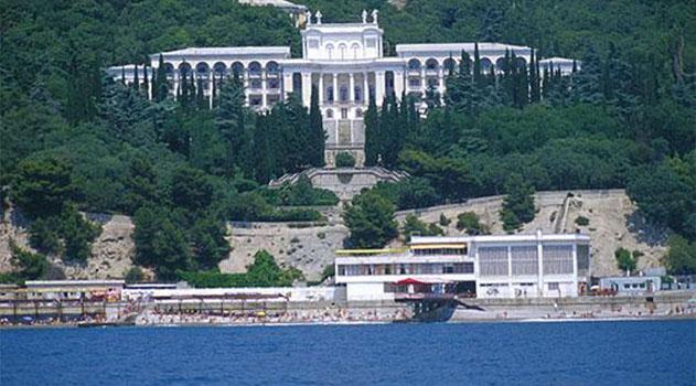 Госкомрегистр оформит право собственности Крыма на 70 объектов санатория «Родина»