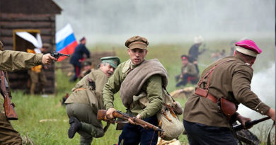 Под Симферополем освободят заложников и покажут несколько воин
