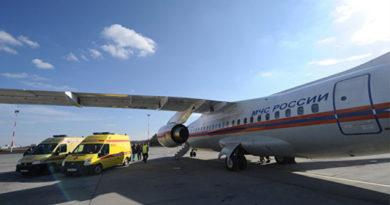 Самолет МЧС доставил из Крыма в Санкт-Петербург двухлетнего тяжелобольного ребенка