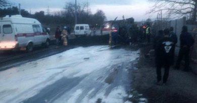 В Севастополе при столкновении двух иномарок и автобуса погиб человек