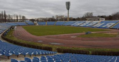 """В Симферополе планируют реконструировать стадион """"Локомотив"""", а в Саках – спортивную базу"""