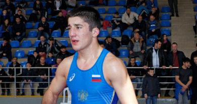 Крымчане выиграли две медали на юниорском первенстве России по вольной борьбе