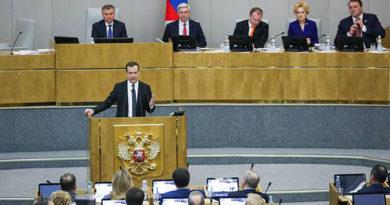 Медведев рассказал о ситуации в Крыму, отчитываясь в Госдуме