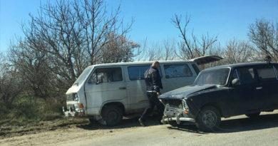 На трассе под Симферополем столкнулись 8 машин