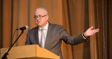 Ректор КФУ отреагировал на слова о выражении ему недоверия