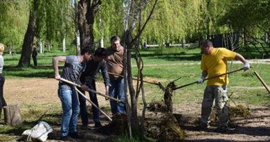 Симферополь очистили от мусора в рамках Всекрымского субботника