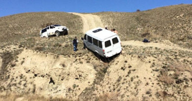 """Спасатели за один день вытащили из грязи два авто и чуть не упавшую со склона """"Газель"""""""