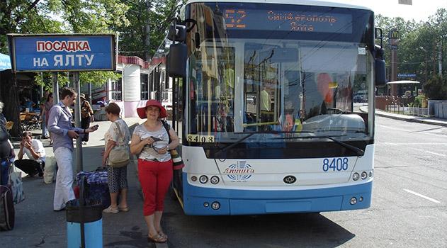 Туристы выпросили дополнительные троллейбусы