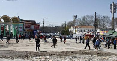 Улицу Козлова в районе Центрального рынка в Симферополе расширят на одну полосу