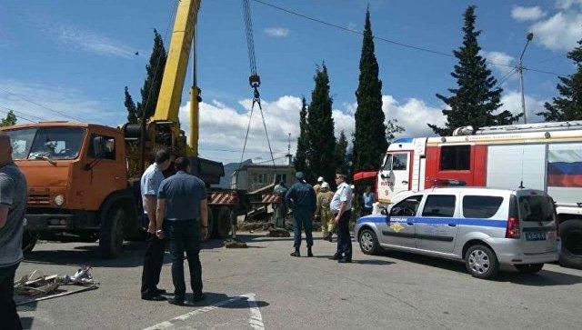 В Крыму грузовик въехал на детскую площадку. Погибли женщина и ребенок