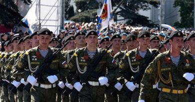Крым встретит День Победы тремя военными парадами