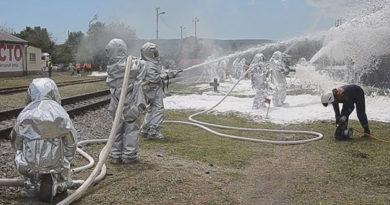 Крымские спасатели в ходе учений ликвидировали последствия столкновения поезда с рейсовым автобусом
