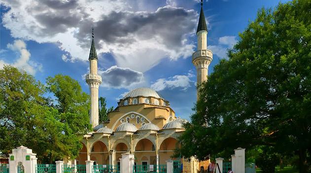 Мусульмане вступили в месяц поста Рамадан