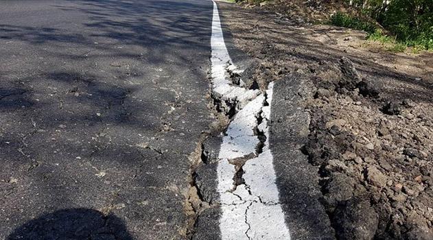 Объезд аварийного участка трассы Симферополь-Севастополь уже рассыпается после ремонта