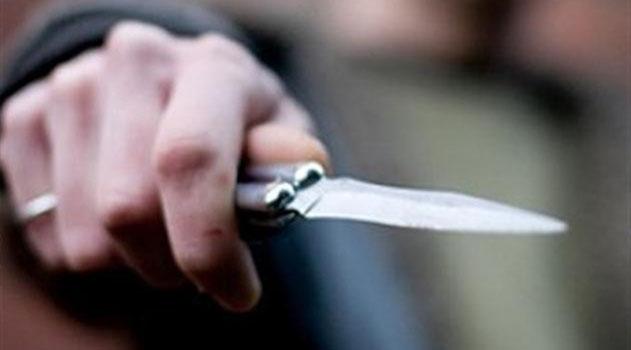 Под Симферополем пассажир напал с ножом на таксиста