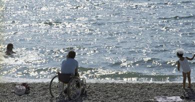Севастопольские пляжи станут доступными для инвалидов