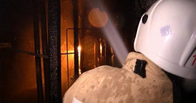 В Севастополе полицейский вынес человека из огня