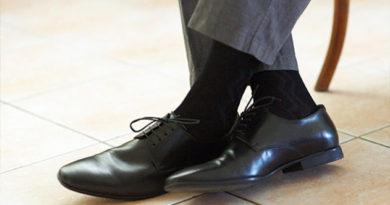 В Симферополе стажер вынес из магазина дневную выручку в носках