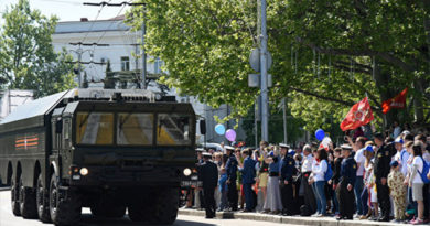 В центре Севастополя водят ограничения для транспорта из-за репетиций Парада Победы