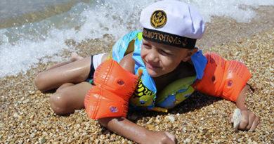 Власти Севастополя обещает к 1 июня открыть половину пляжей города