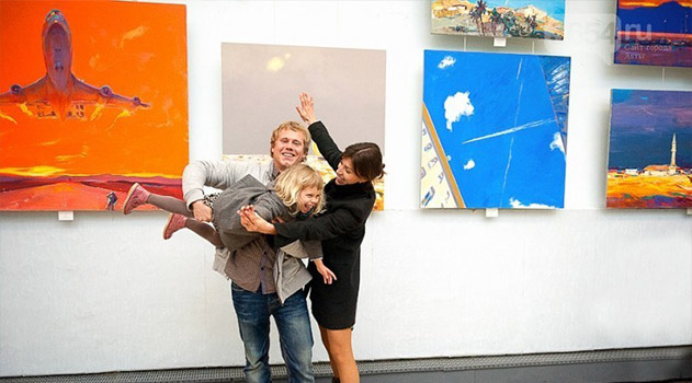 Ялтинский художник Антон Гудзикевич презентует свою персональную выставку