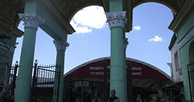 mup-metrograd-prodolzhaet-raboty-po-blagoustrojstvu-territorii-okolo-tsentralnogo-rynka