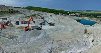 pochti-3-mln-tonn-peska-shhebnya-i-mramora-dobyto-v-krymskih-karerah-za-proshlyj-god