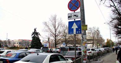 shtrafy-za-nepravilnuyu-parkovku-ne-pugayut-voditelej-mer-simferopolya