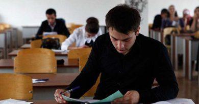 vypuskniki-krymskih-shkol-smogut-postupit-v-lyuboj-vuz-rossii-aksyonov