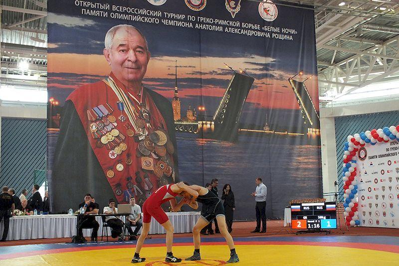 Двое симферопольцев стали медалистами престижного борцовского турнира в Санкт-Петербурге