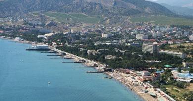 Глава отдела УФАС о высоких ценах на пляжах Крыма: рынок сам регулирует вопросы ценообразования