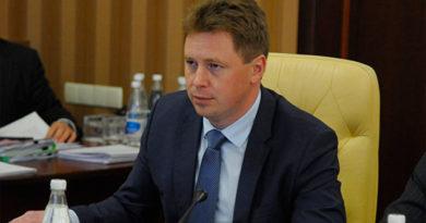 Овсянников уволил чиновника и выгнал директоров двух департаментов с заседания правительства из-за утреннего транспортного коллапса