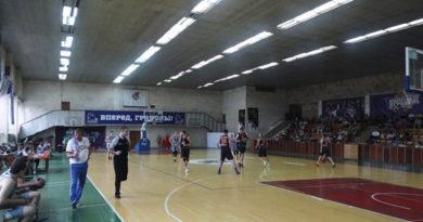 prizyory-muzhskogo-i-zhenskogo-chempionatov-kryma-po-basketbolu-opredeleny-v-simferopol