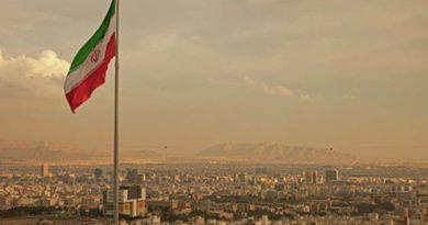 v-iranskom-parlamente-proizoshla-strelba-zahvacheny-zalozhniki