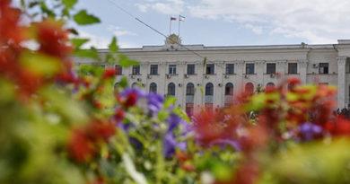 Аксенов назначил двух замов в МинЖКХ и Минтопэнерго Крыма