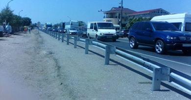 Активисты ОНФ добились установки ограждений и светофоров на трассе Джанкой-Феодосия-Керчь